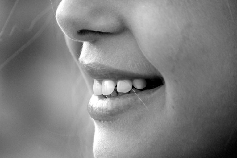 black-and-white-close-up-face-65665